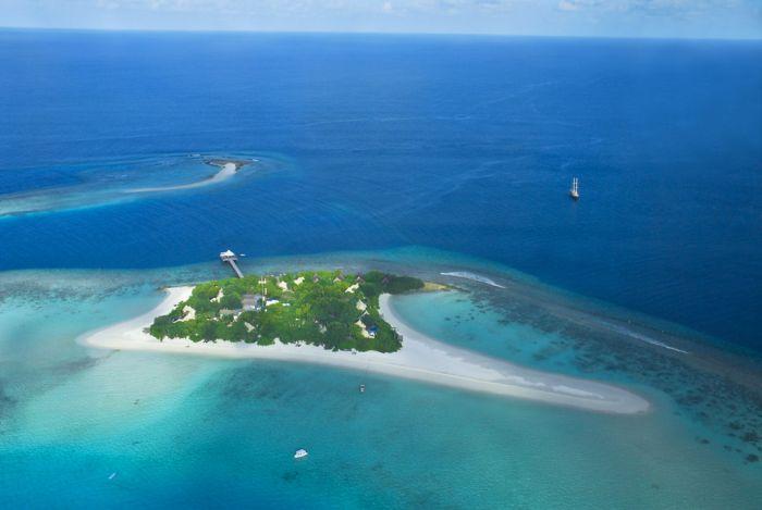 Проживание в палатках на Мальдивах (26 фото)