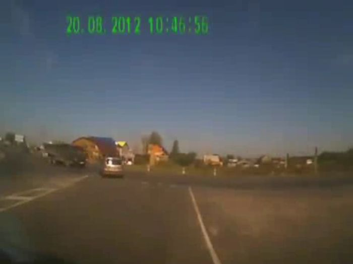 Авария дня часть 700 (фото+2 видео)