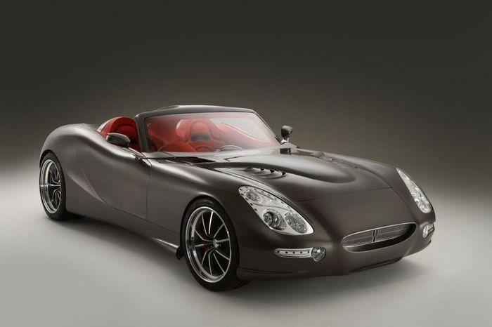 Британцы построили спорткар с дизельным V8 (2 фото)