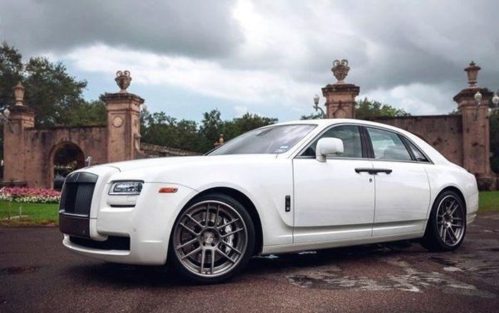 ADV.1 представили новые диски для Rolls-Royce Ghost (13 фото)
