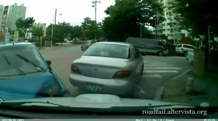 Подборка автомобильных аварий за лето 2012 (видео)