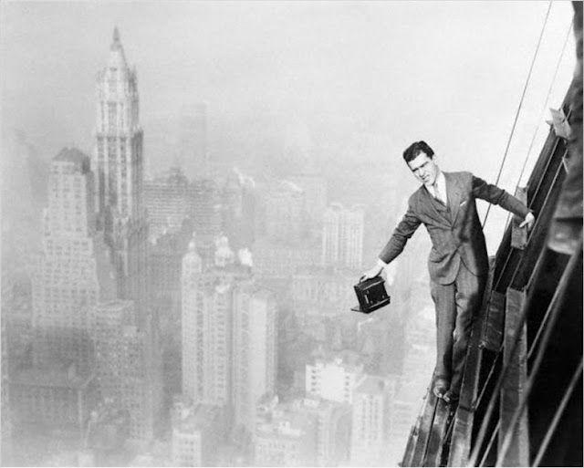 Отважные рабочие, строившие первые небоскребы Нью-Йорка (29 фото)