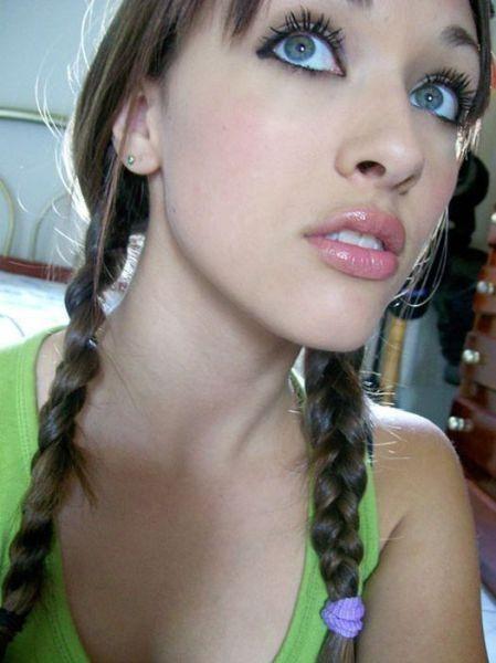 Девушки с сексуальными губами (34 фото)