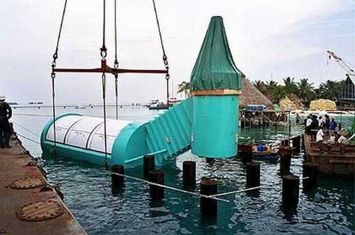 Подводный ресторан на Мальдивах (7 фото)