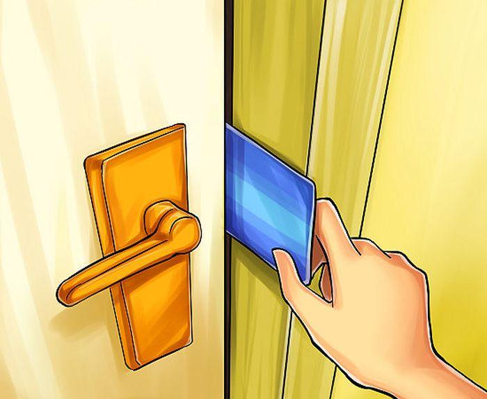 Чтобы взломать дверь карточкой, подойдет для тех дверей, которые не.