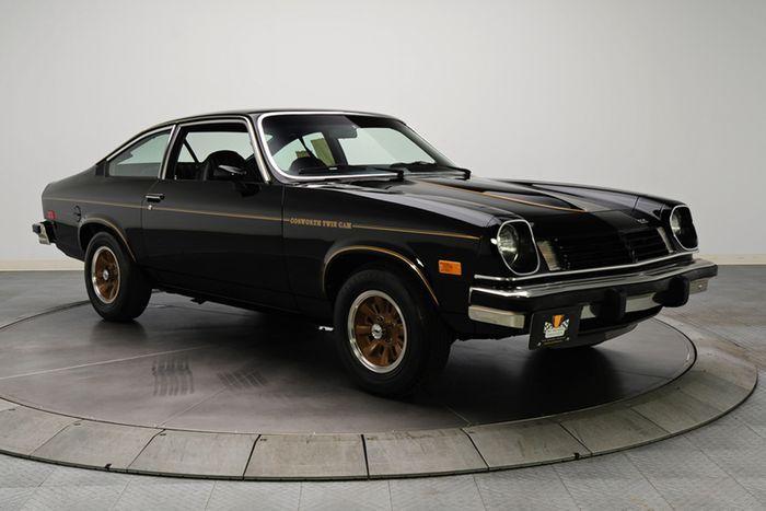 На аукцион выставлен редкий Chevrolet Cosworth Vega (14 фото)