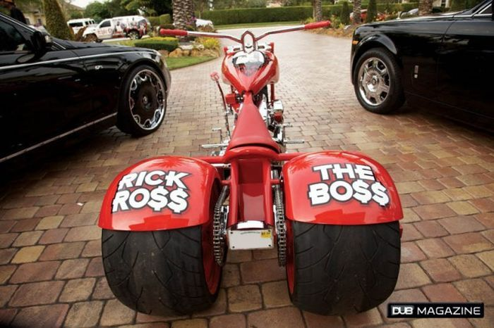 Крутецкий гараж рэпера по имени Rick Ross (16 фото+видео)