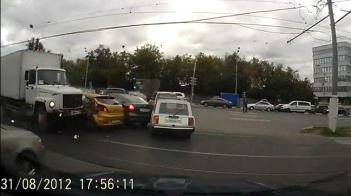 Авария дня часть 711 (фото+видео)