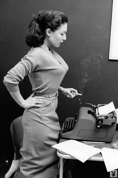 Настоящие секретарши (33 фото)