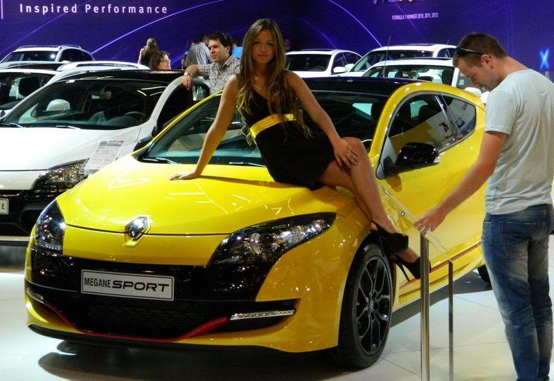 Новые фото выставка, красивая девушка, машина