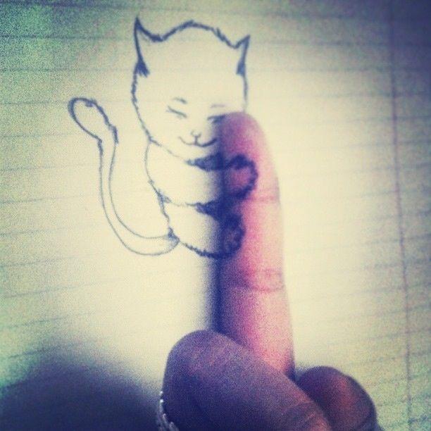 Отпадные фотки котенок, палец, рисунок, тетрадка