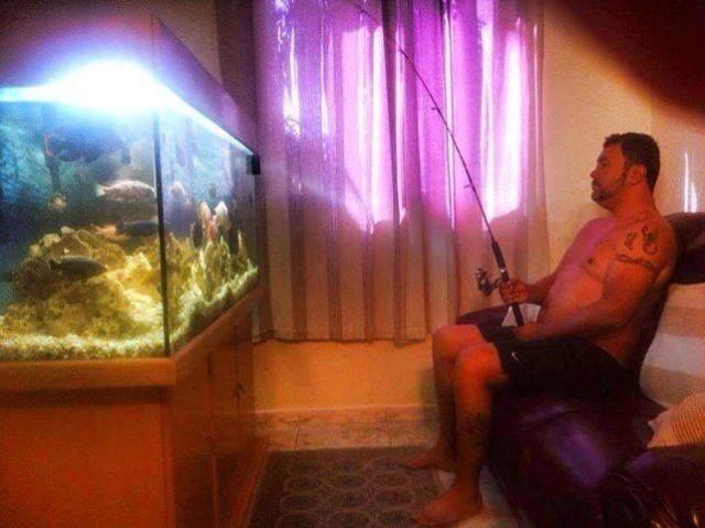 Шикарное фото аквариум, мужик, рыбалка, удочка