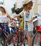 Ах, эти леди на велосипеде. Фоторепортаж (26 фото)