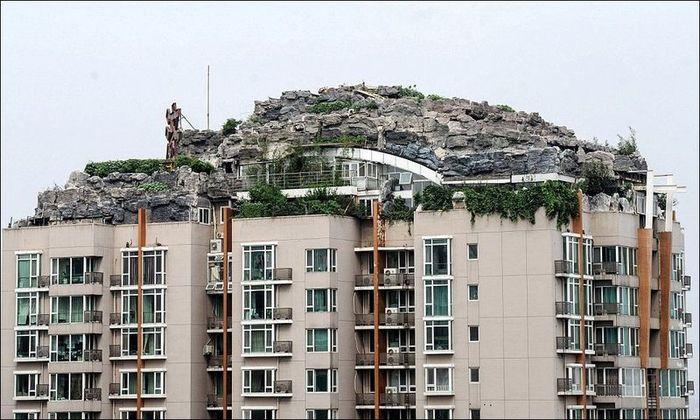 Горная вилла на крыше многоквартирного жилого дома (10 фото)