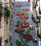 Красивая лестница на итальянском острове Сицилия.