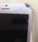 iPhone5 взорвался и повредил глаз женщины