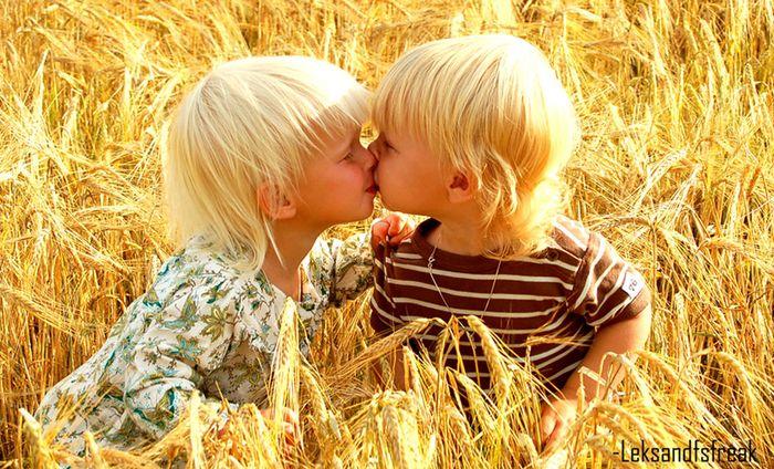 Фотки о любви (поцелуи) .