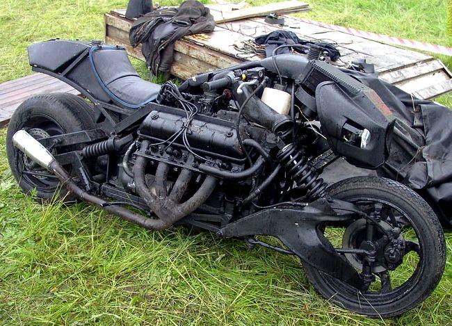Чудо-мотоцикл «ВОЙНА-5000»  (10 фото)