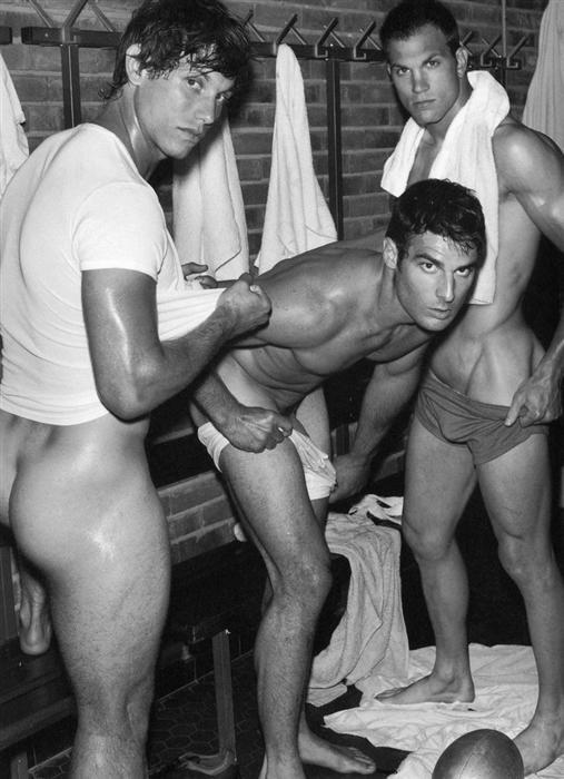 парни голые футболисты