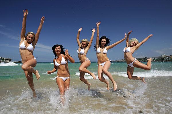 1010 девушек в бикини (20 фото)