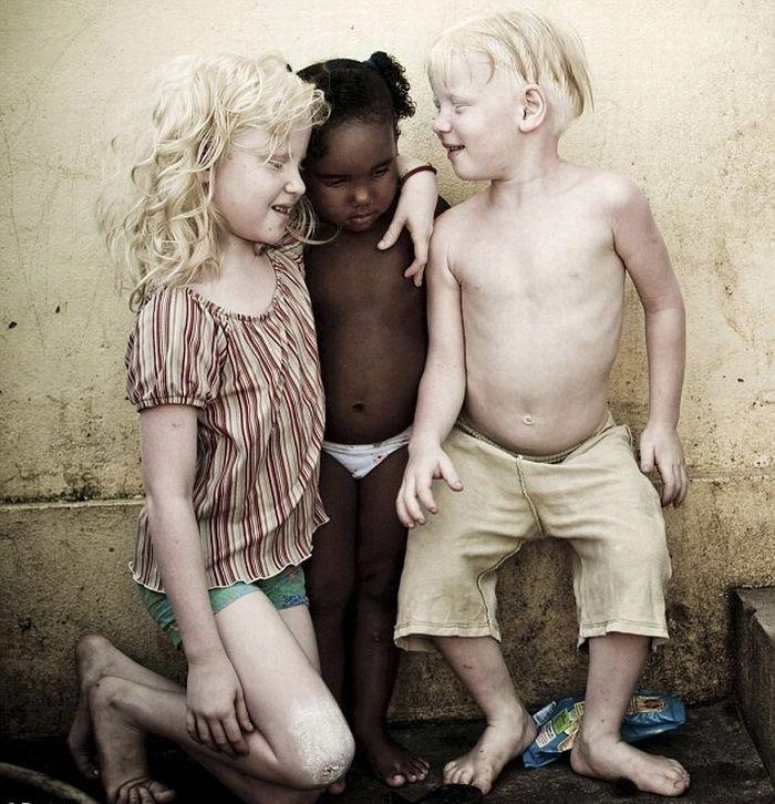 Темнокожие одинокие девушки в москве фото