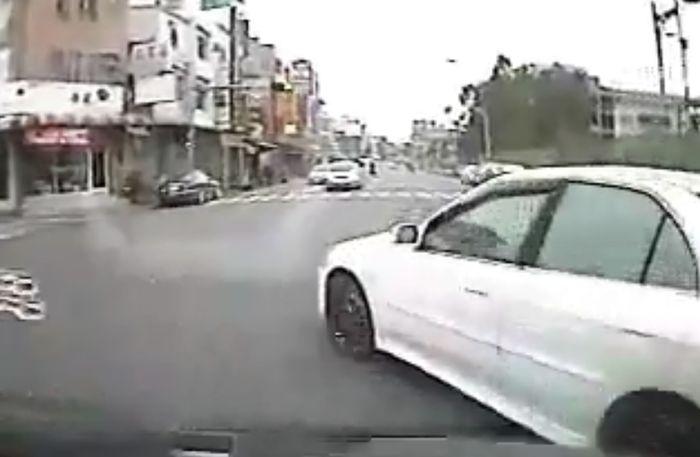 Авария дня часть 14 (фото+видео)