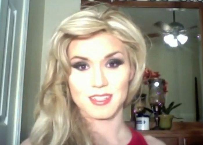 А блондинка то, не настоящая !!! (видео)