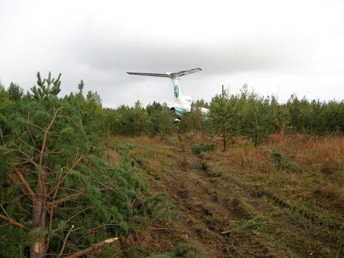 Ту-154М АК Алроса, аварийная посадка в Ижме (15 фото)