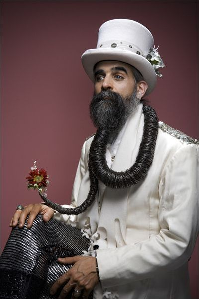 Самые сложные и странные бороды с усами (40 фото)