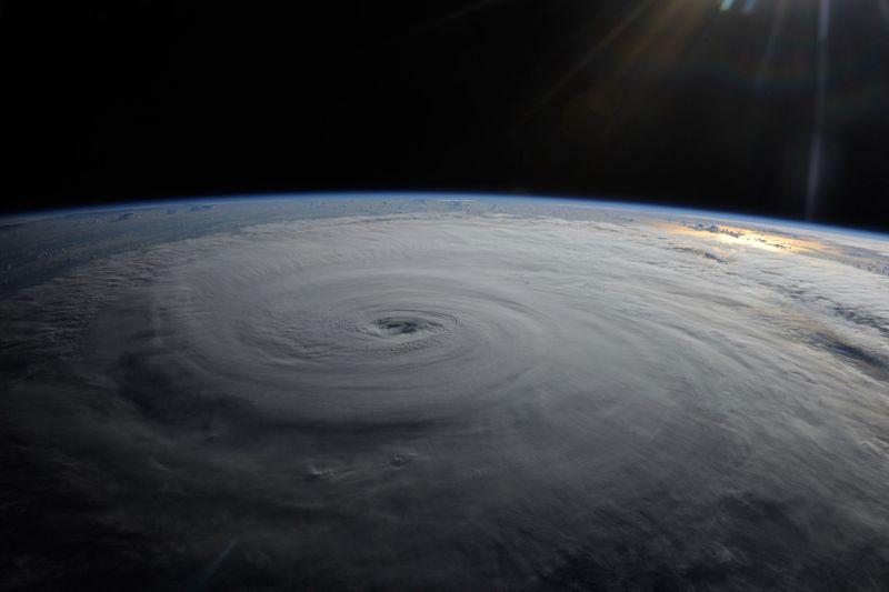 Ураган Даниэль. Фото сделал астронавт Дуглас Х. Уилок на борту Международной космической станции 28 августа на низкой орбите. (NASA/Douglas H. Wheelock)