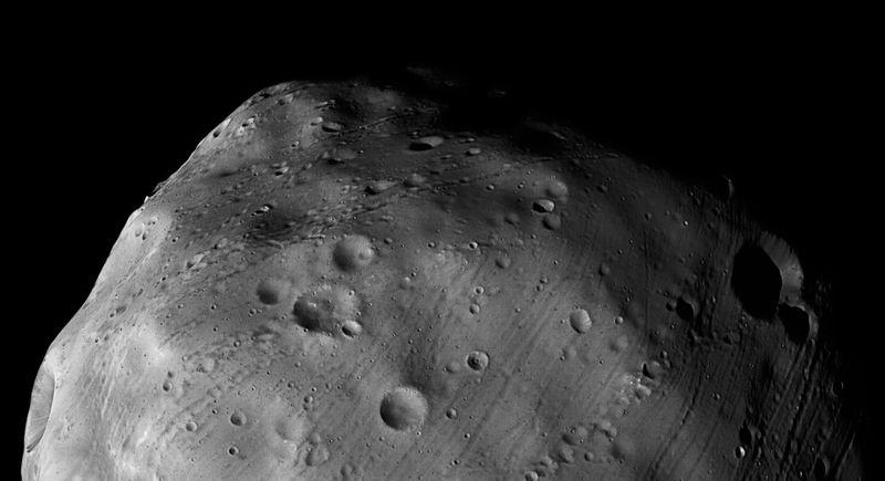 Это фото спутника Марса Фобоса было сделано с помощью стереокамеры с высоким разрешением на борту корабля «Mars Express» 7 марта. (ESA)