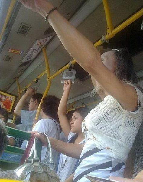Грудь в автобусе фото в хорошем качестве фотоография