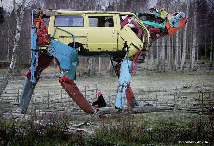 Скульптуры животных из автохлама (5 фото)