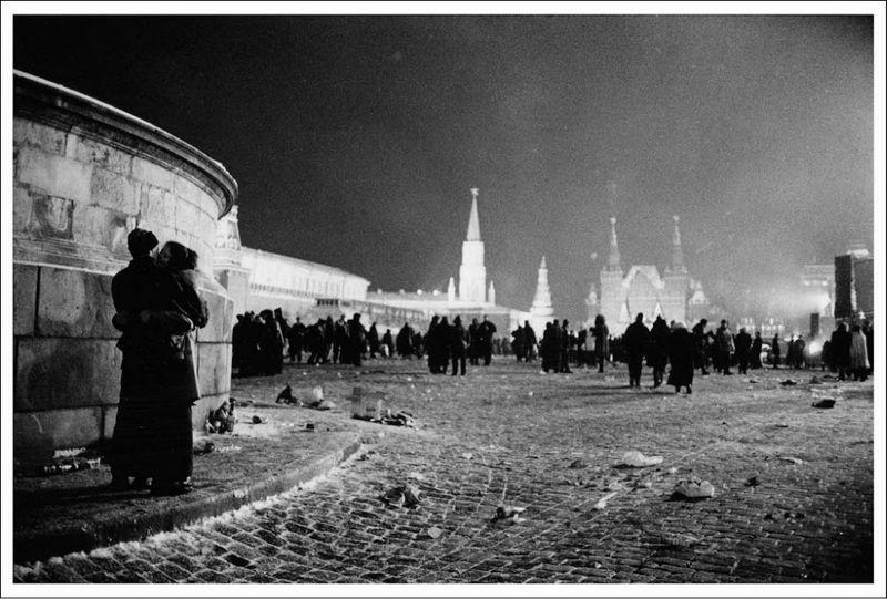2319 Страна чудес: Сказка о советском монолите
