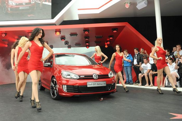 Volkswagen Golf GTI Edition 35 (27 фото)