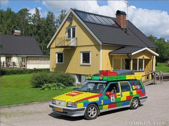 Volvo 850 в стиле LEGO (8 фото)