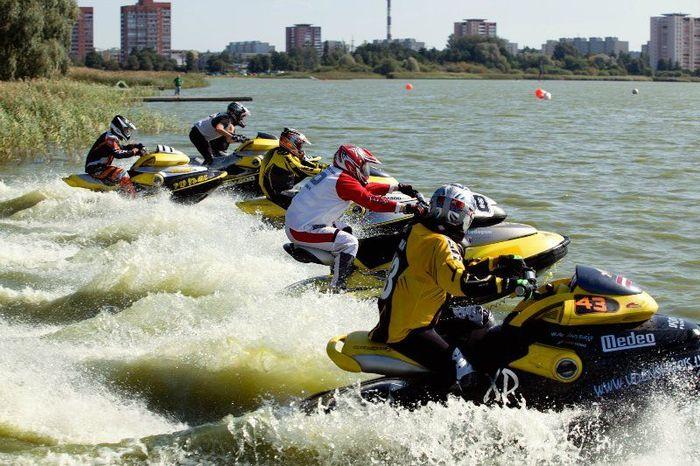 Hempel Cup 2011 по водным мотоциклам (41 фото)