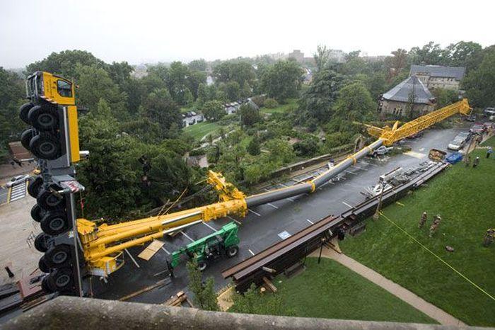 500-метровый  кран упал в Вашингтоне (52 фото)