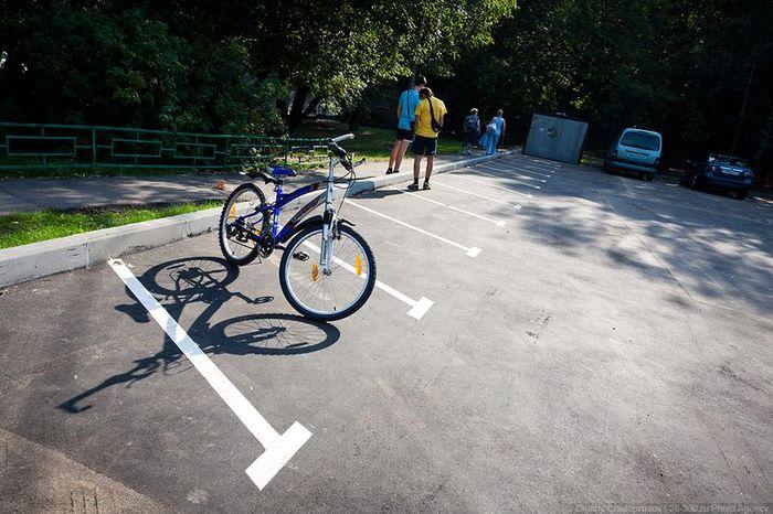 Парковочные места на востоке Москвы «похудели» до полной бессмысленности (15 фото)