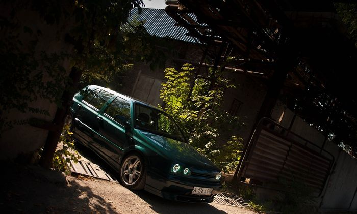 Отличный стайлинг VW Golf 3 из Алматы (19 фото)