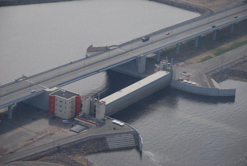 Комплекс защитных сооружений г. Санкт-Петербурга от наводнений (22 фото)