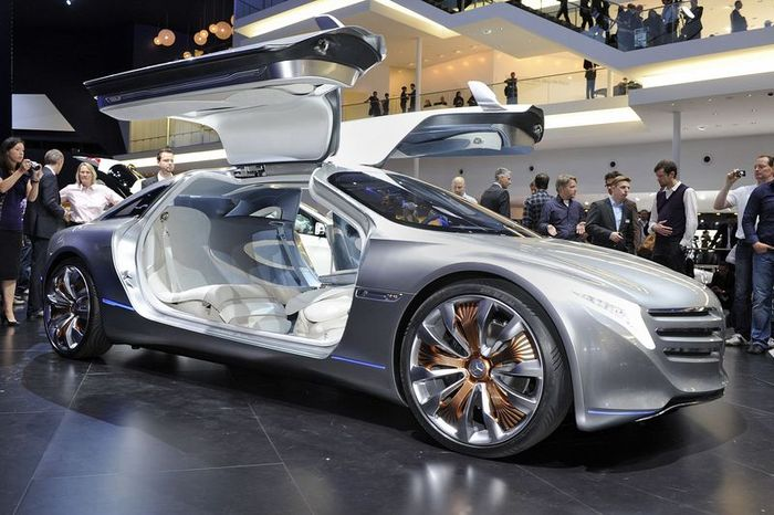Компания Mercedes-Benz представила электро-концепт F125 (44 фото+видео)