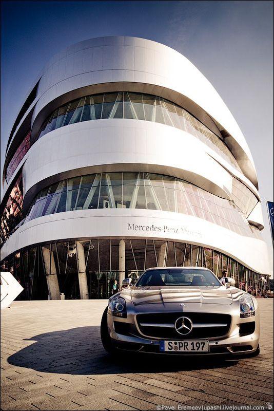 Прогулка по музею Mercedes-Benz (50 фото)