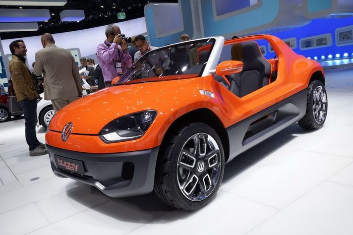 В компании Volkswagen показали концепт-кар Buggy Up (27 фото)