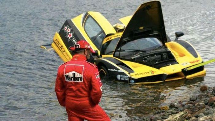 Эксклюзивный Ferrari Enzo за 1,5 млн.$ утопили в океане (20 фото+2 видео)