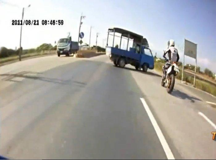 Горе-водилы в Азии (видео)