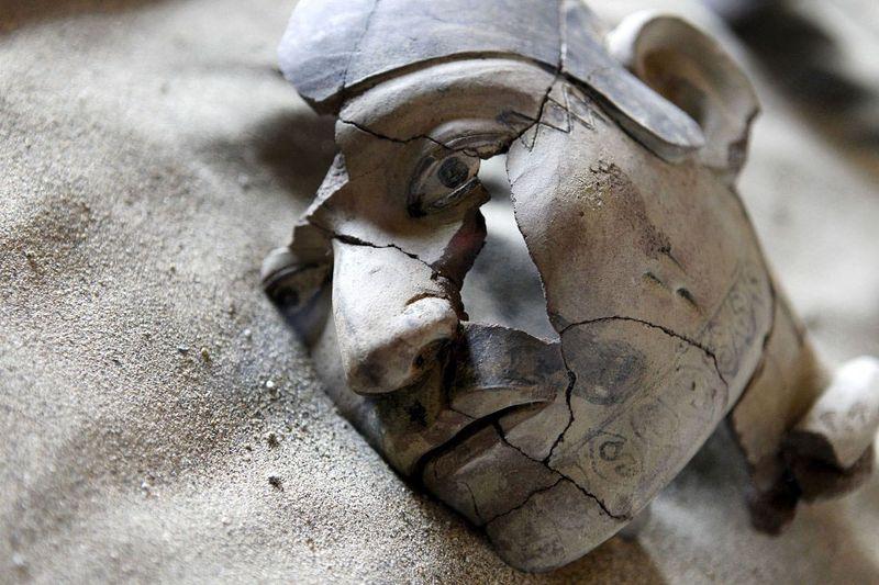 bones10 В Перу обнаружены останки принесенных в жертву детей
