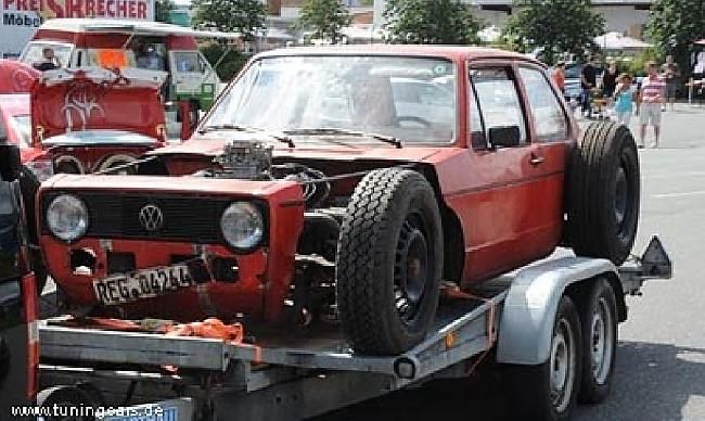 Hot Rod VW Golf MK-1 (10 фото)