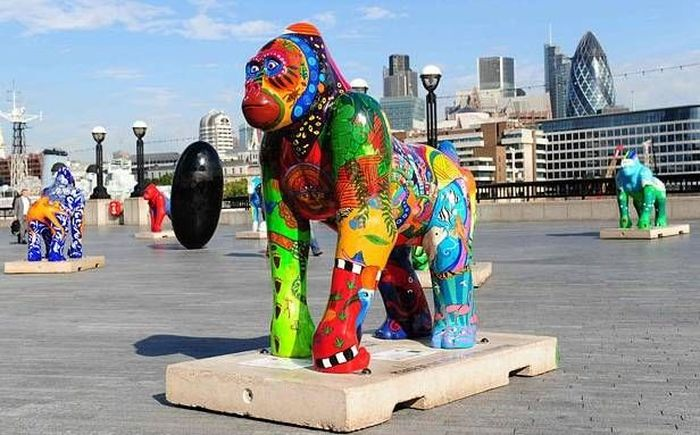 Раскрашенные гориллы заполонили Лондон (14 фото)