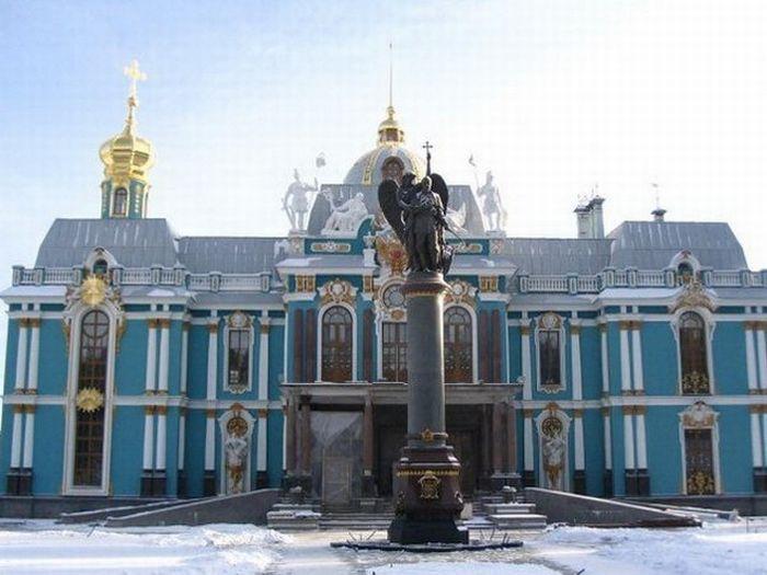 копия екатерининского дворца в вырице фото многих странах африки